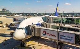 Lufthansa Airbus A380 en el aeropuerto internacional de Francfort Imágenes de archivo libres de regalías