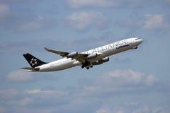 Lufthansa Airbus 340 Royalty Free Stock Images