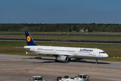 Lufthansa Airbus A321 no aeroporto de Berlin Tegel Imagem de Stock
