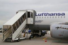 Lufthansa Airbus A319 no alcatrão no aeroporto de Francoforte Foto de Stock