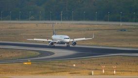 Lufthansa Airbus 320 roulant au sol clips vidéos