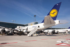 Lufthansa Boeing 747 à l'aéroport de Francfort Image stock