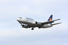 Lufthansa Boeing 737 Royaltyfri Bild