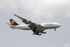 Lufthansa Boeing 747 jet Royalty Free Stock Images