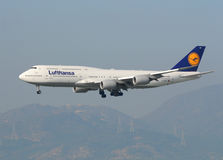 Lufthansa Boeing 747 arrive in Hong Kong Royalty Free Stock Images