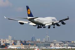 Lufthansa Boeing 747-400 Frankfurt flygplats Royaltyfri Fotografi