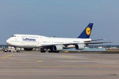 Lufthansa Boeing 747 no aeroporto de Francoforte Fotografia de Stock