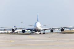 Lufthansa Boeing 747 no aeroporto de Francoforte Imagens de Stock Royalty Free