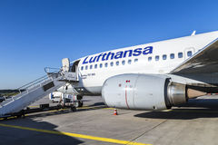 Lufthansa Boeing 737 ready for Stock Photos
