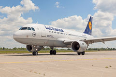 Lufthansa A319 Royalty Free Stock Photos