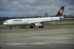 Lufthansa flygbuss Arkivbild