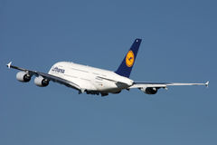 Lufthansa flygbuss A380 Arkivbild