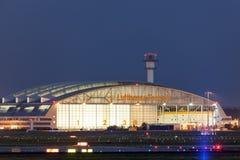Lufthansa-Hangar am Frankfurt-Flughafen Lizenzfreies Stockfoto