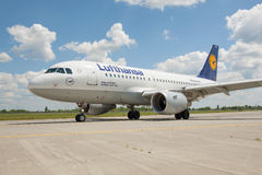 Lufthansa A319 Royalty Free Stock Image