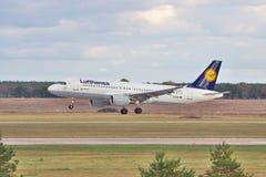 Lufthansa Luchtbus A320 royalty-vrije stock fotografie