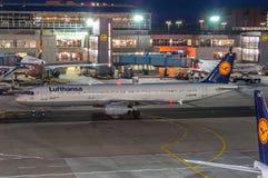 Lufthansa-Luchtbus A321 stock foto's