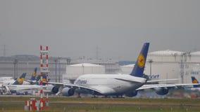 Lufthansa-Luchtbus 380 start stock videobeelden