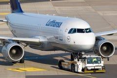 Lufthansa-Luchtbusa320-200 vliegtuigen Stock Foto's