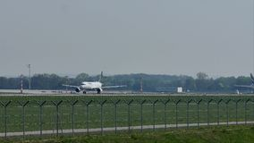 Lufthansa, nuevo avión de la librea, sacando almacen de metraje de vídeo