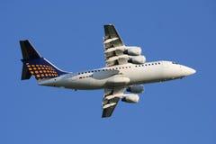 Lufthansa Regionaal Lijnvliegtuig Stock Fotografie