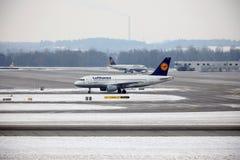 Lufthansa Schweinfurt Airbus A319-100 TÄGLICH stockbilder