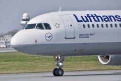 Lufthansa surfacent image stock