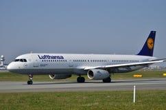 Lufthansa surfacent photographie stock libre de droits