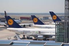 Lufthansa Vliegtuigen royalty-vrije stock afbeeldingen