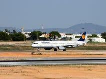 Lufthansa voyagent en jet Photos libres de droits
