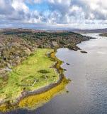 Luftherbstansicht von Dunvegan-Schloss, Insel von Skye lizenzfreie stockbilder