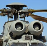 Luftintag på kuguarhelikoptern. Arkivfoton