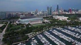 Luftküstenlinienansicht des Michigansees in Chicago, Illinois stock video footage