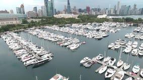 Luftküstenlinienansicht des Michigansees in Chicago, Illinois stock video