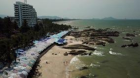 Luftknall Saen-Strand in Chonburi, Thailand stock footage