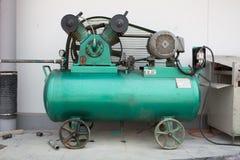 Luftkompressor und Luftaufnahme Stockfoto