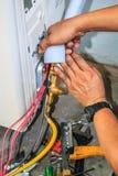 Luftkonditioneringsapparatinstallationsprocess Royaltyfri Foto