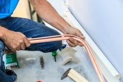 Luftkonditioneringsapparatinstallationsprocess Royaltyfri Fotografi