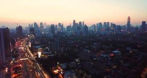 Luftlandschaft der Sonnenuntergangzeit in Jakarta stock video