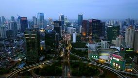Luftlandschaft des Semanggi-Straßenaustausches nachts stock footage