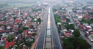 Luftlandschaft von Becakayu-Mautstraße in Jakarta stock video footage