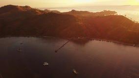 Luftlandschaft von Labuan Bajo auf Sonnenaufgang stock video