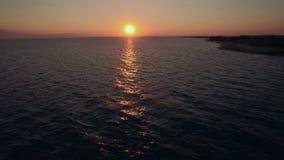 Luftmeerblick bei Sonnenuntergang stock footage