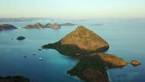 Luftmeerblick mit Flores-Inselarchipel stock video