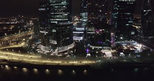 Luftnachtgeschäft, das Moskau-Stadt errichtet stock video