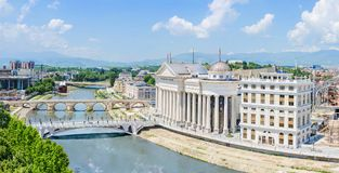 Luftpanorama von Skopje lizenzfreie stockbilder