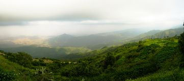 Luftpanoramablick zu Filfil-Regenwald, Eritrea Lizenzfreie Stockfotos
