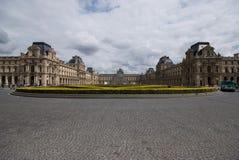 Luftschlitz und das Museum, Paris Lizenzfreie Stockfotografie