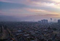 Luftschuß bei Sonnenaufgang von Petaling Jaya, Vorort von Kuala Lumpur, Lizenzfreies Stockfoto