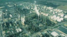 Luftschuß der großen Erdölraffinerie stockbilder