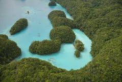 Luftschuß von tropischen Inseln und von Lagune Stockbild